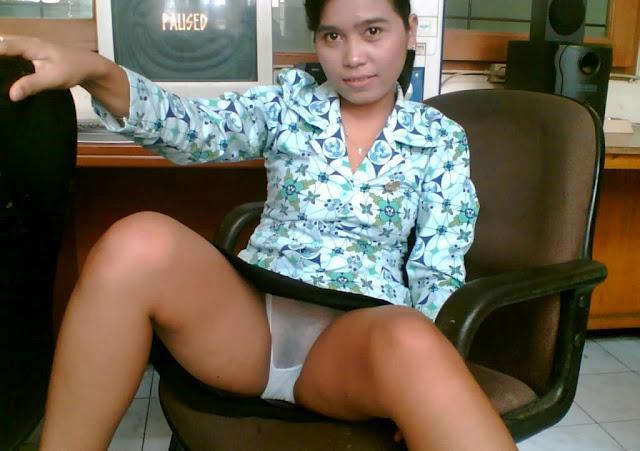 Gadis+PNS+Pamer+Memek+dan+celana | ngintips