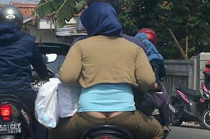 Jilbab Ngangkang