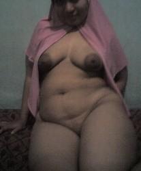 Foto+Tante+Girang+Pake+Jilbab+Bugil3